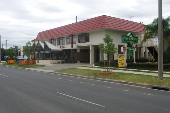 The Hume Inn Motel: The Hume Inn