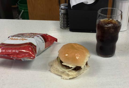 Nick's Hamburger Shop: burger - plain and simple.....