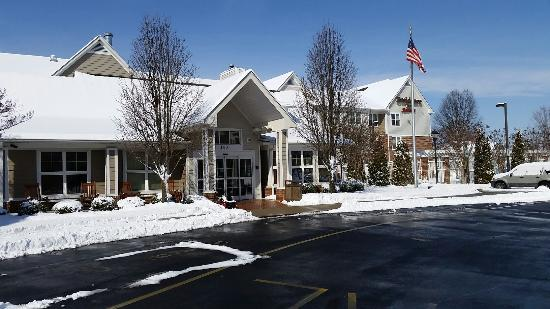 Residence Inn Salisbury: Snowy day