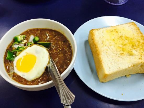 Tempat Makan Menarik di Johor: Kacang Pool Haji Larkin Bomba