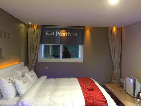 Hotel North Tel: Window area
