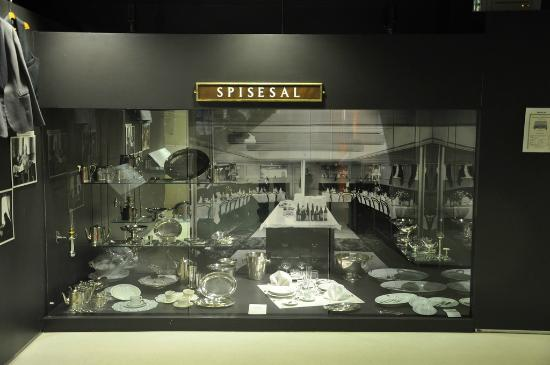Hurtigruten Museum: Dining Display