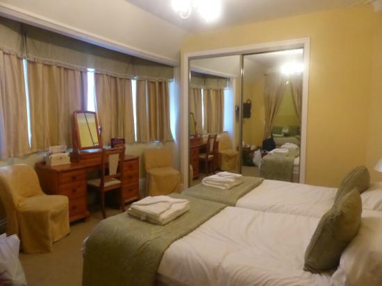Caer Beris Manor Hotel: Main bedroom