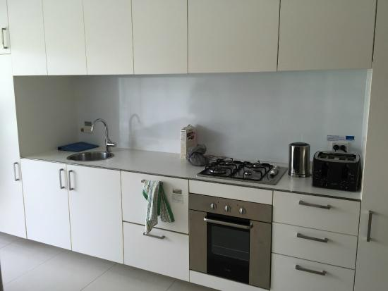 Pool Resort Port Douglas: Kitchen -Lived in look :-)