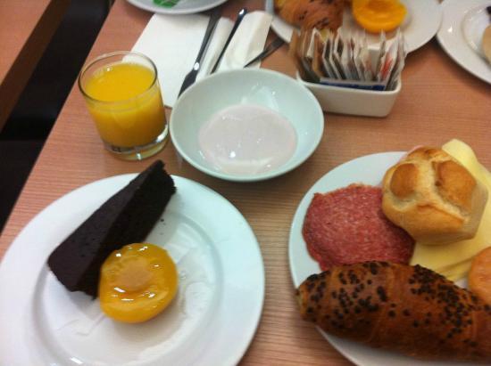 Hotel Gravina San Pietro: breakfast