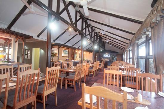 Pine Lodge Resort & Conference Centre: Breakfast  and dining in the Robin Room
