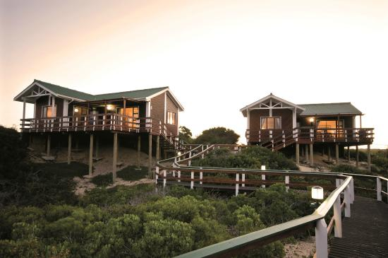 Pine Lodge Resort & Conference Centre: Luxury Honeymoon suites at Sunset Bay