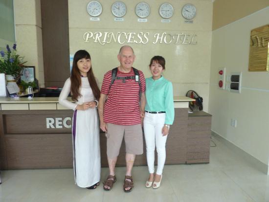 Princess Hotel : Nga, myself and Phuong at Reception