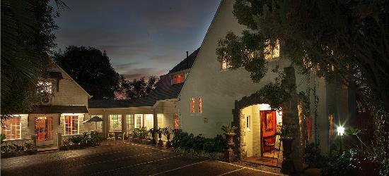 Northcliff Manor Guest House: Hearn Drive Visual