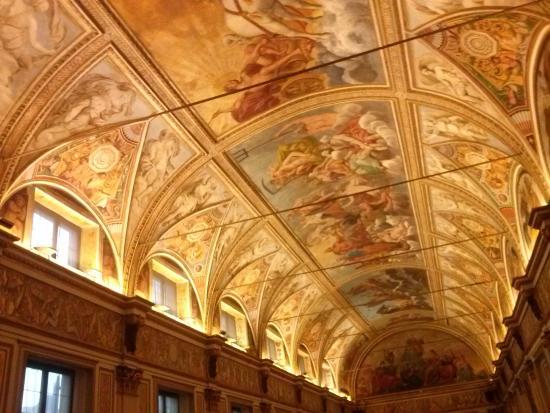 Il soffitto nella stanza degli specchi foto di palazzo for Stanza mantova