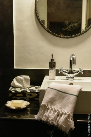 Scarlette New Delhi : Bathroom