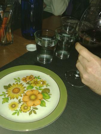 Vajilla fotograf a de mamuchis restaurante m laga for Vajilla para restaurante