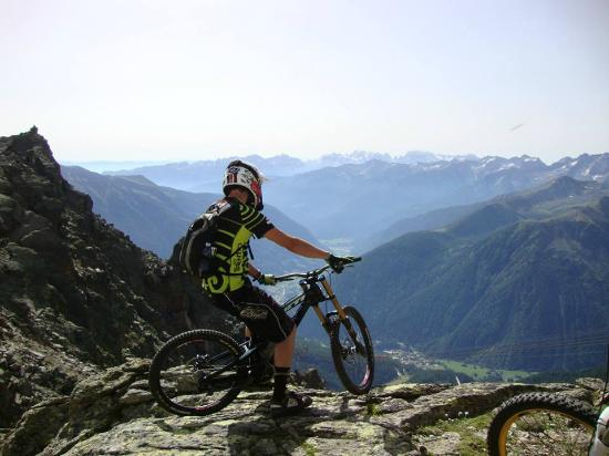 Commezzadura, Italy: Downhill tour da 3000mt!!!