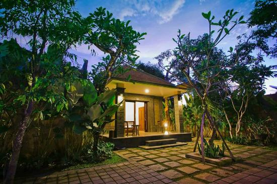 CANDRA GuestHouse