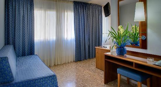 Hotel Civera: HABITACIÓN