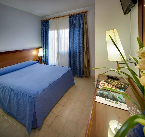 Hotel Civera: HABITACIÓN MATRIMONIAL