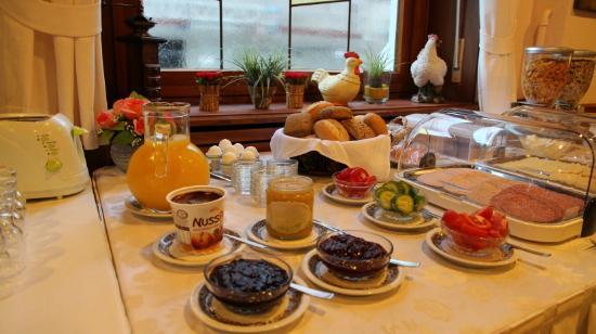 Deutscher Kaiser Lichtental : Frühstücksbuffet / Breakfast buffet