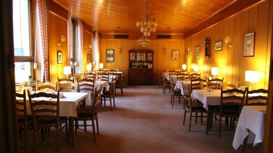 Deutscher Kaiser Lichtental : Frühstücksraum / Breakfast area