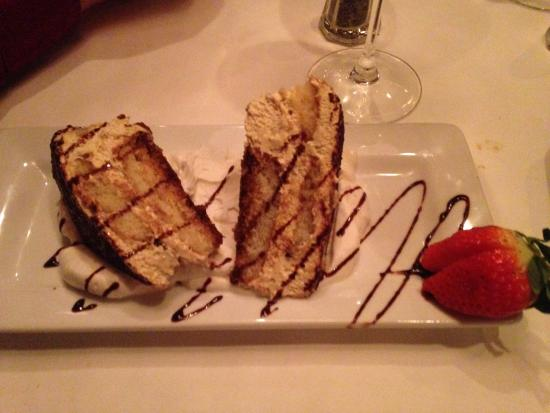 Bellisio's Italian Restaurant and Wine Bar: Tiramisu