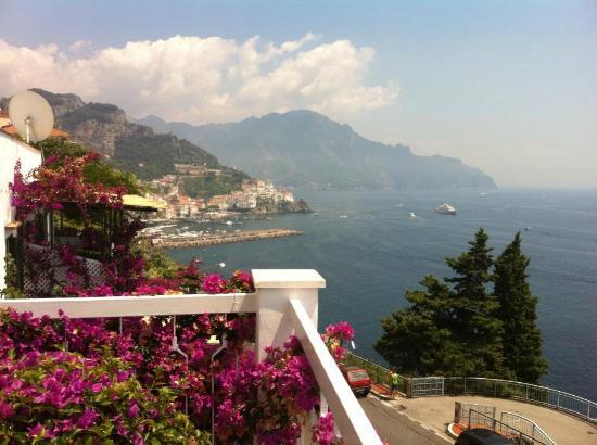 Hotel Bellevue Suites: Vista da varanda
