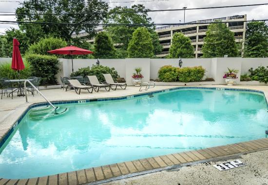 The University Inn at Emory: Pool