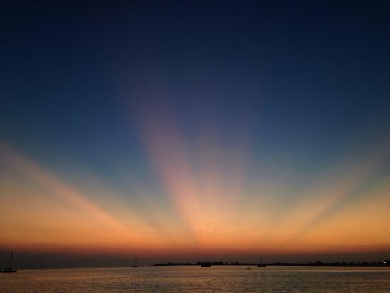 Rubi's Inn: Stunning post-sunset sight from jetty.