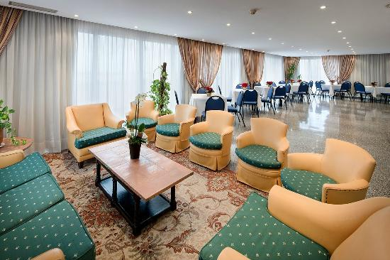 Hotel Gaudi, Hotels in Reus