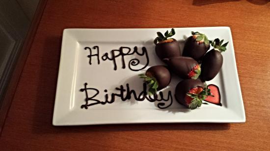 Bryn Meadows Golf, Hotel & Spa: birthday strawberries