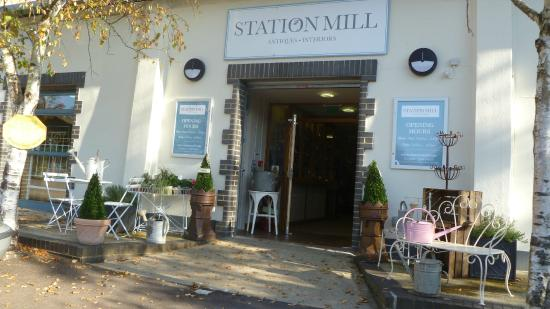 Chipping Norton, UK: Station Mill Antiques Centre