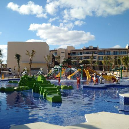 Kids Pool Area Picture Of Royalton Riviera Cancun Resort