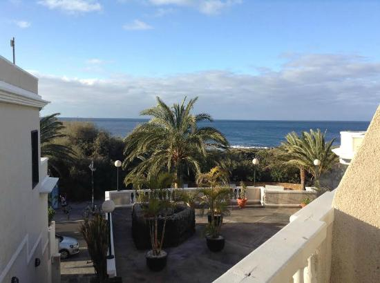 Charco Del Conde : Sea view from left side of balcony of 'sea view' room