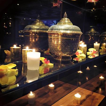 Nipa Thai: Lovely lights on Valentine Night