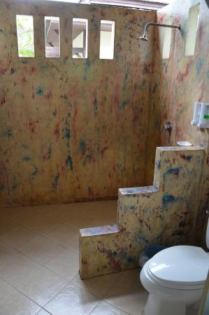 Lanta Klong Nin Beach Resort: Bad-Toilette und Dusche draussen