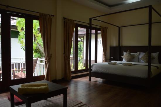 Lanta Klong Nin Beach Resort: Zimmer