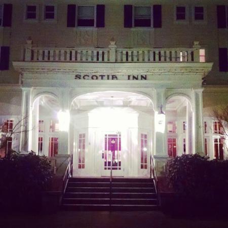 The Scotia Inn and Pub: Scotia Inn entrance