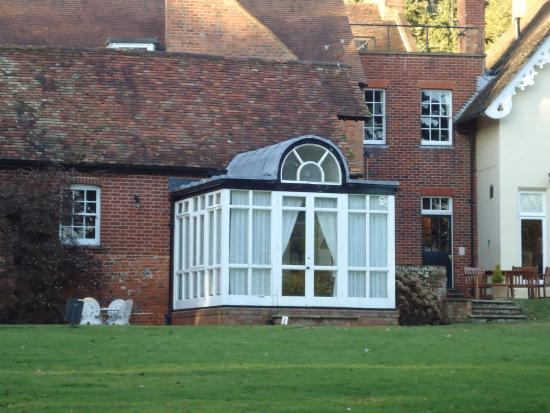 Hallmark Hotel Flitwick Manor: Outside view of the conservatory