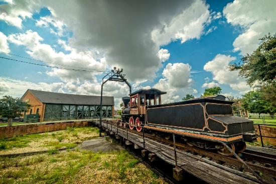 Huntsville Depot Museum: Approaching the Roundhouse