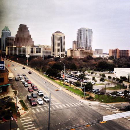 Embassy Suites by Hilton Austin - Downtown/Town Lake: View from our room. 811