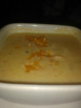 Ruby Tuesday : Broccoli & Cheese soup