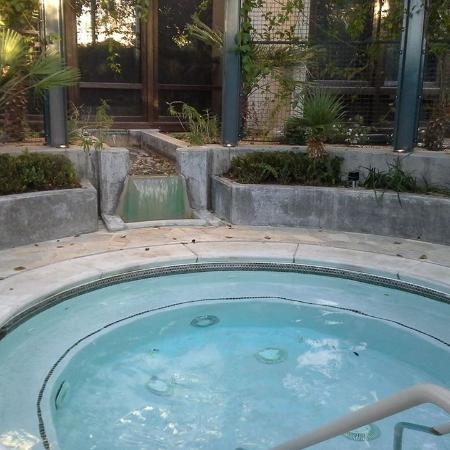 Nipomo, CA: outdoor hot tub