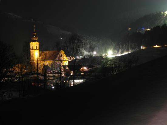Moedlinger Hotel & Sport: Soll at Night