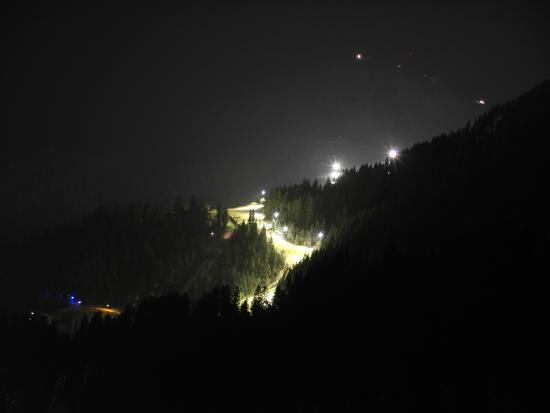 Moedlinger Hotel & Sport: nightski lights