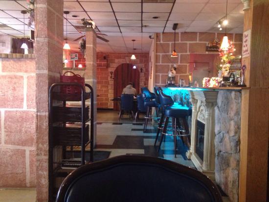 Mario's Italian Restaurant : Dining room