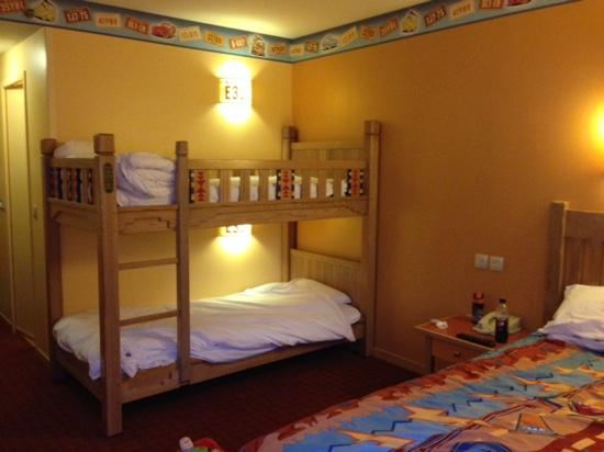 Bunk Beds Available In Some Rooms Upon Request In Block 14 Picture Of Disney S Hotel Santa Fe Coupvray Tripadvisor