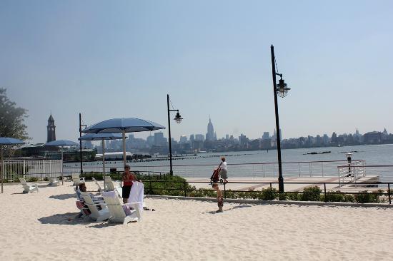 En Bas De L Hotel Picture Of The Westin Jersey City Newport