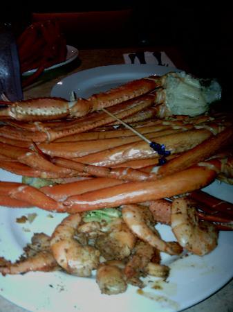 Days Inn Chester Philadelphia Airport: Excellent crab legs and shrimp at there award winning restaurant.
