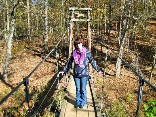 Durham, Carolina del Norte: Swinging bridge