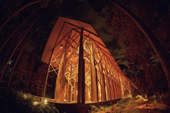 christmas lights at garvan woodland gardens garvan woodland gardens anthony chapel - Garvan Gardens Christmas Lights