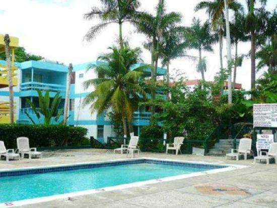 Negril Beach Club: Pool area