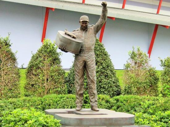 Dale Earnhardt Sr. Statue